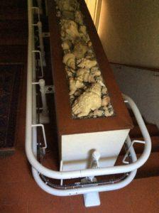 Dettaglio del minimo ingombro del servoscala a San Bartolomeo al Mare